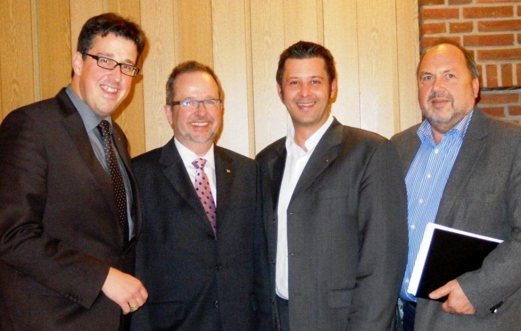 Rene Schneider MdL, Landrat Dr. Ansgar Müller, Atilla Cikoglu und Gerd Drüten