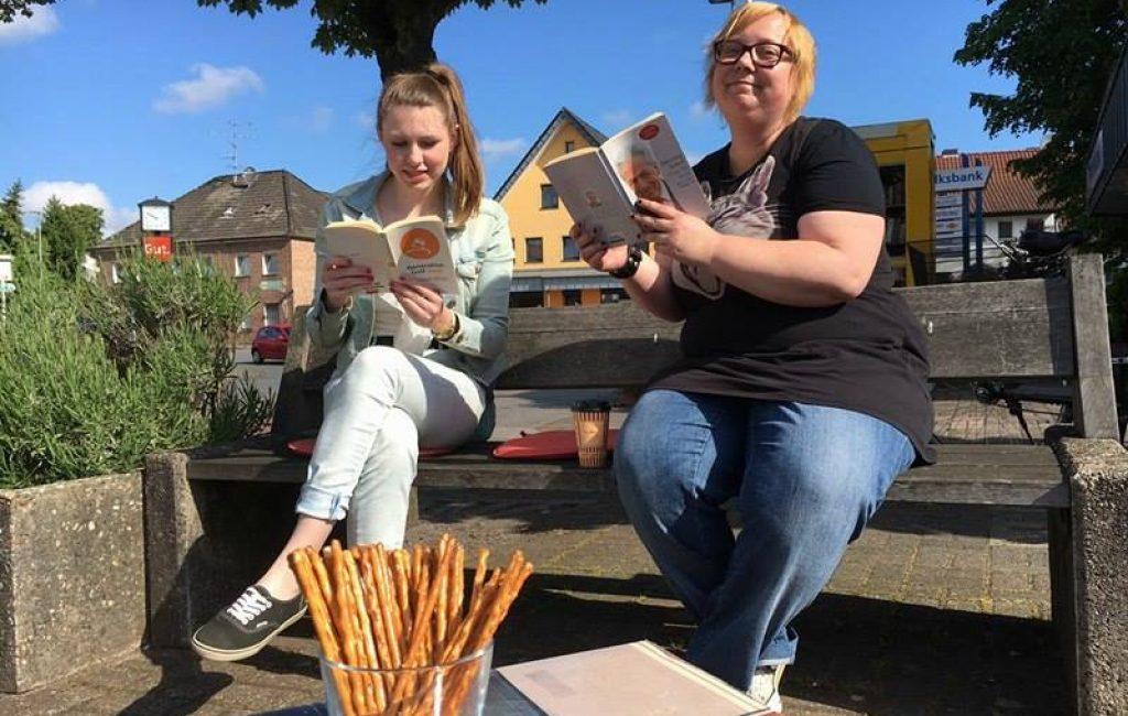 Jusos luden zum Bücherspendenstand ein