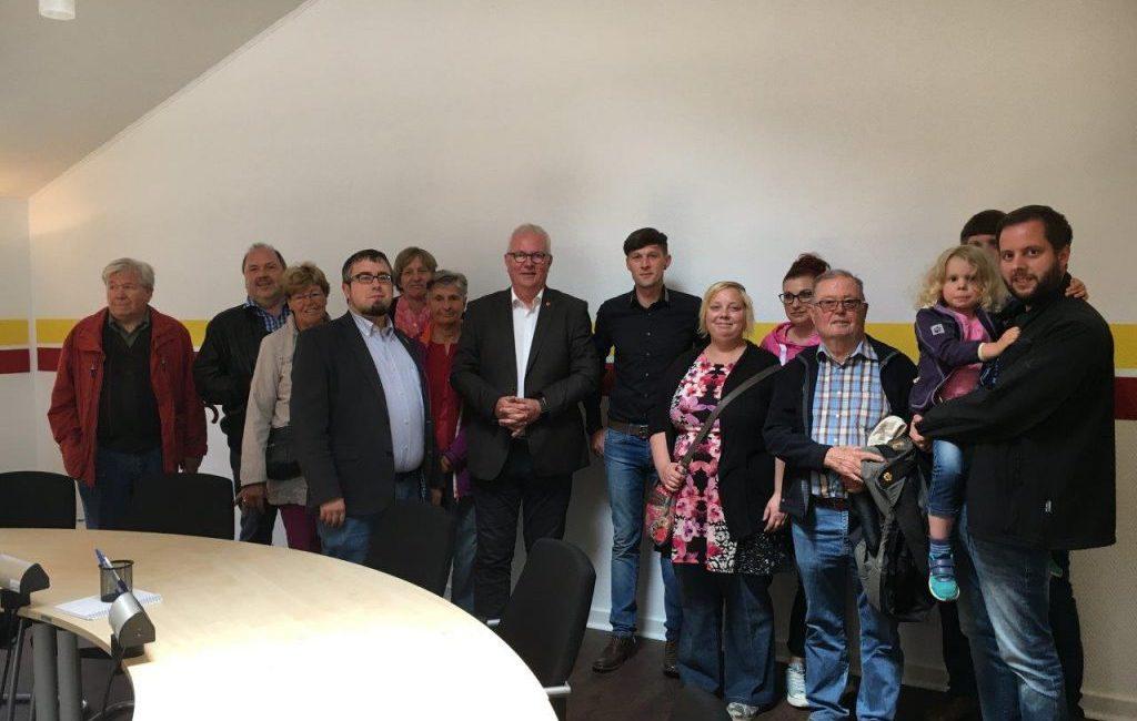 Ehrenamtstour: Jürgen Preuß besichtigt die Bundesrettungshundestaffel