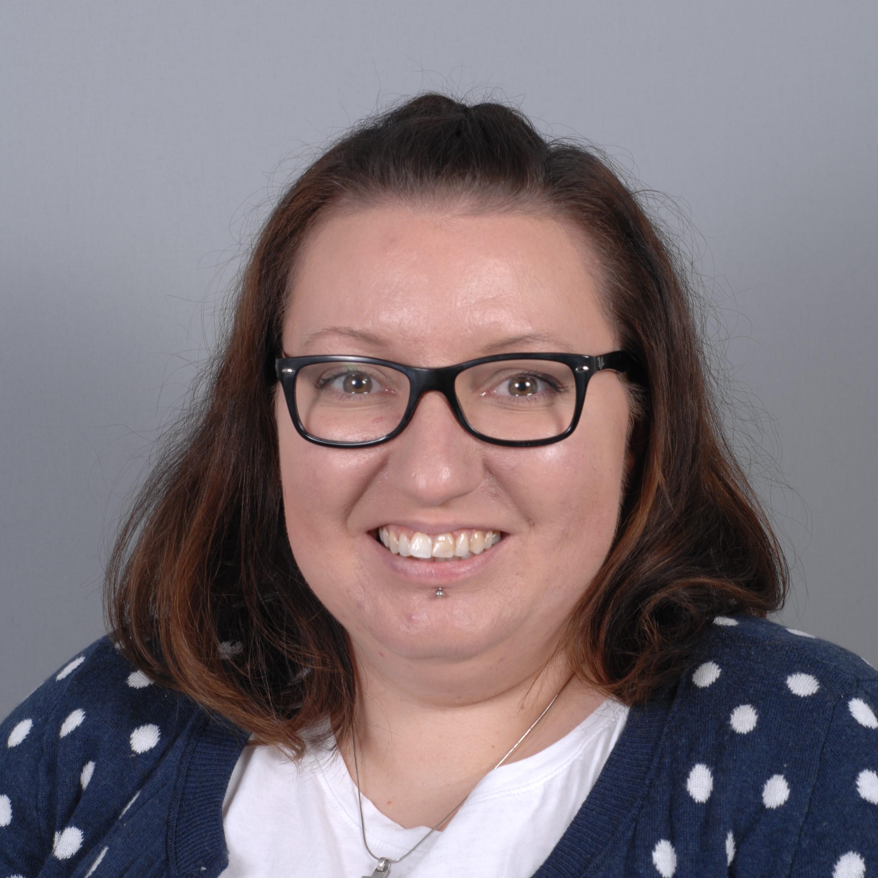 Dominique Freitag (32) ist Chefin der Jusos in Hünxe und als sachkundige Bürgerin Mitglied im Sozialausschuss der Gemeinde Hünxe. Die Gleichstellung und Inklusion von Menschen mit Behinderung ist ihr großes Thema.