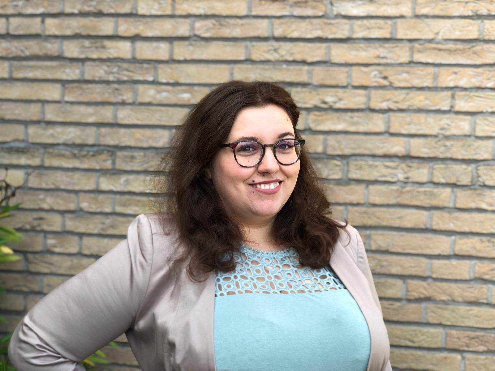 Die 31-jährige Erziehungswissenschaftlerin Mendina Scholte-Reh ist unsere Schriftführerin und sachkundige Bürgerin im Sozialausschuss. Schon jetzt fiebert sie der Einschulung ihres Neffen in den nächsten Tagen entgegen.