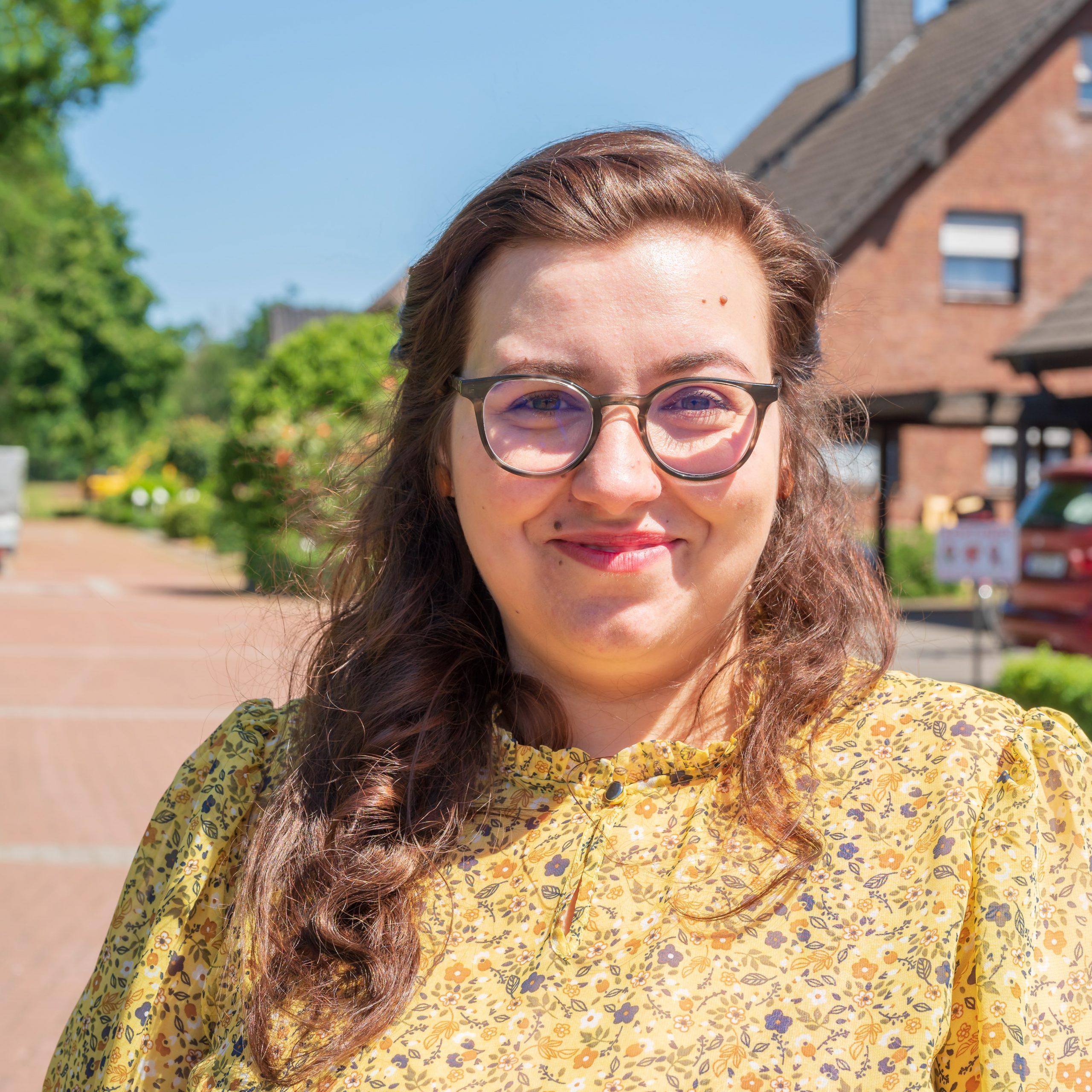 Mendina Scholte-Reh promoviert im Bereich Erziehungswissenschaften und setzt sich politisch für die Belange von Menschen mit Behinderung ein.